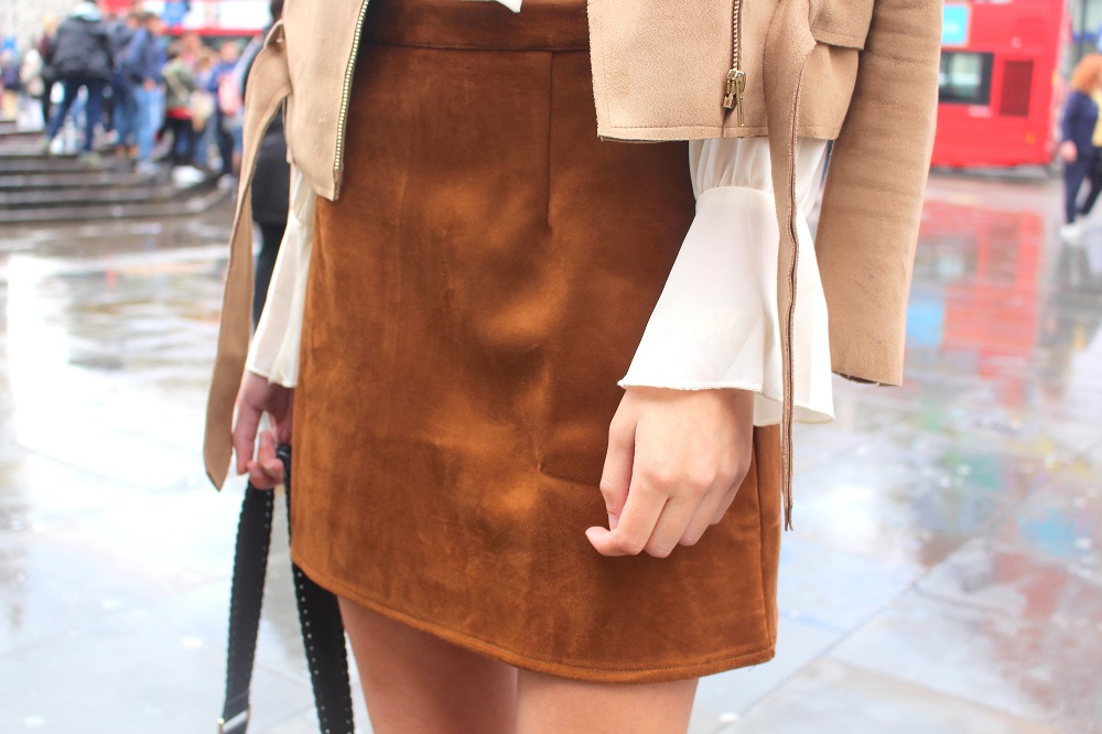peexo fashion blogger lfw day 1 suede a line skirt 70s missguided boohoo