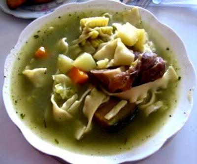 Foto de la sopa de menestrón de un menú