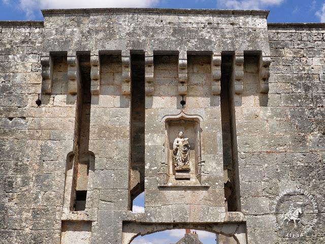 FLAVIGNY-SUR-OZERAIN (21) - Portes fortifiées