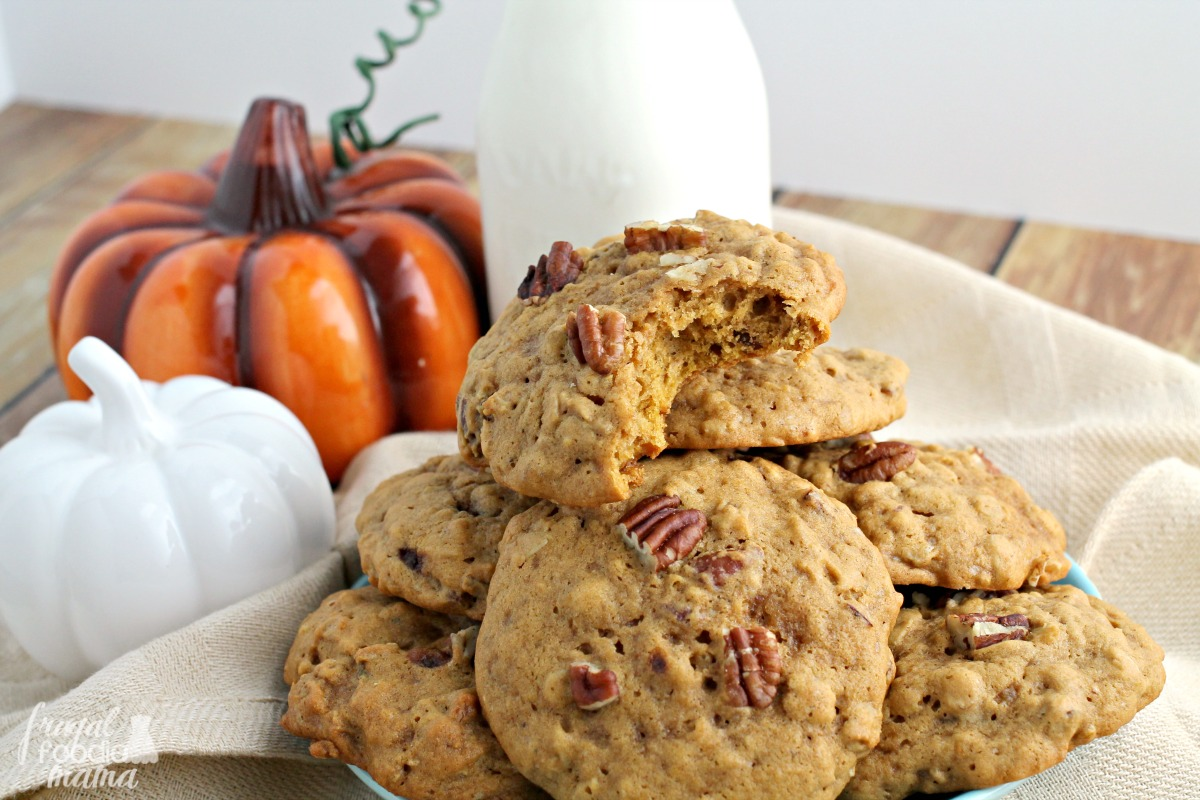 These Chai Pumpkin-Pecan Oatmeal Cookies are soft and thick packed ...