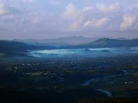 Gunung lawe, Spot keren melihat banjarnegara dari atas awan
