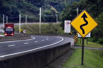 Na Semana Nacional do Trânsito, pesquisa revela principais 'desculpas' de motoristas em SP
