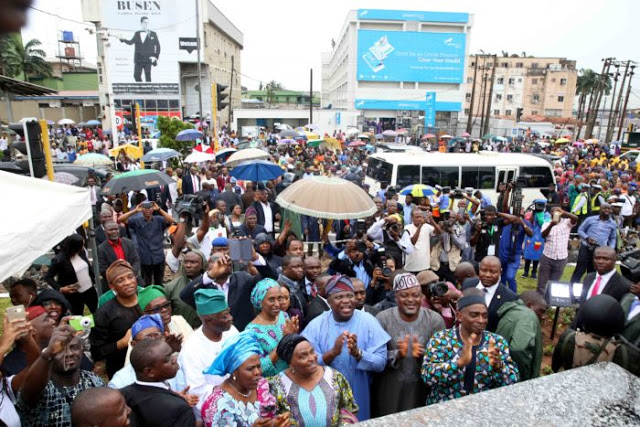 Ambode Unveils New Statue In Honour Of Obafemi Awolowo In Ikeja