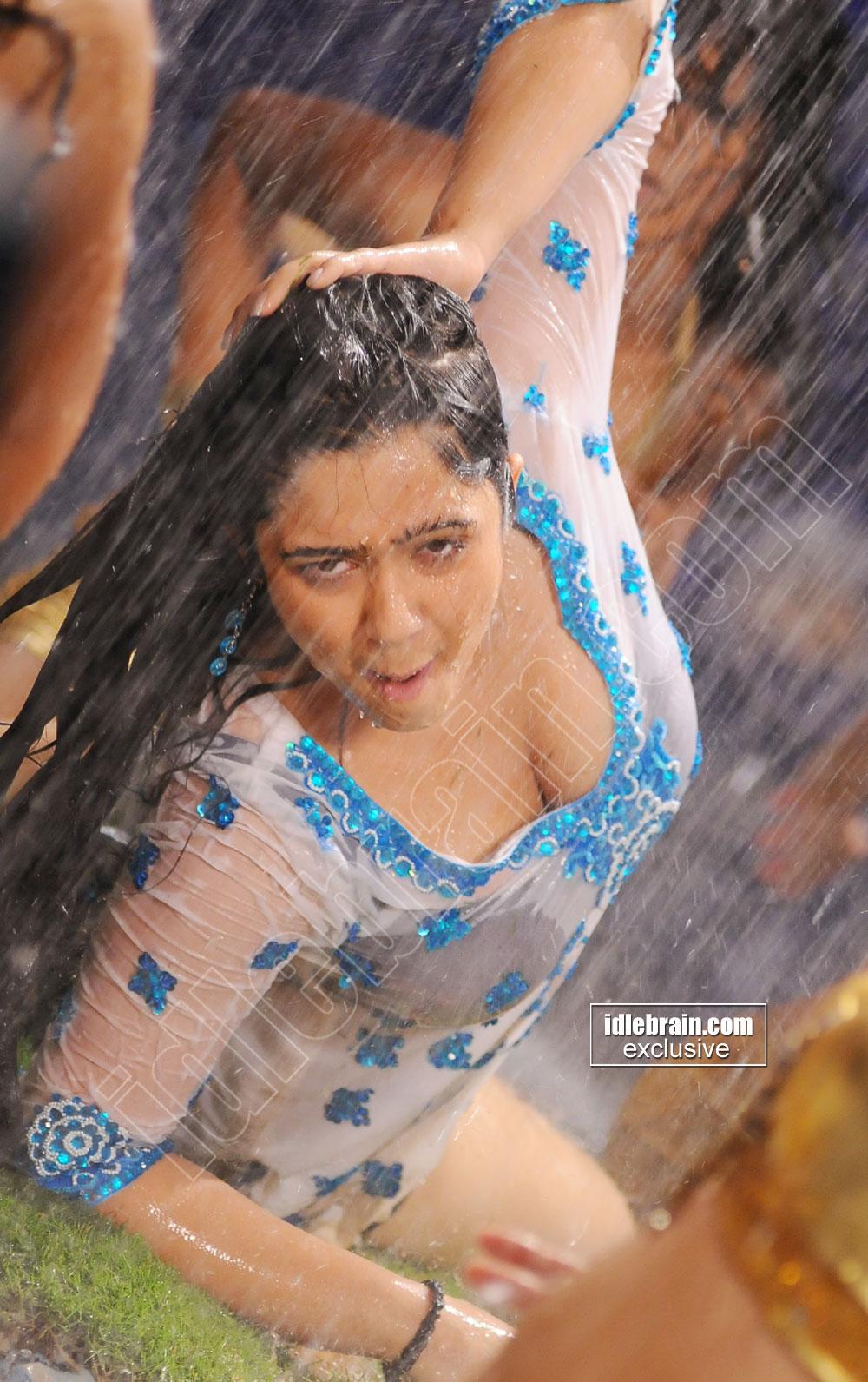 Hot Actress Horny Charmi Kaur Heavy Boob Show-5819