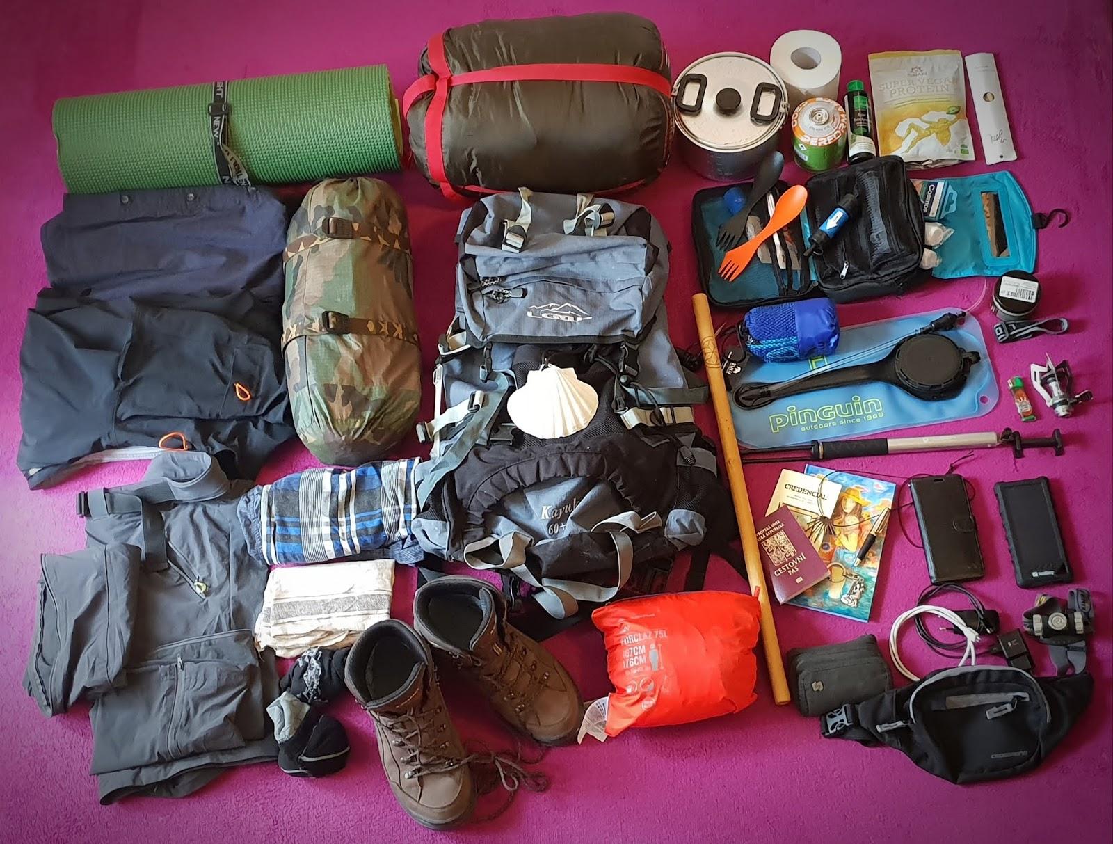 362ecc8f30 Vybavení. turistický batoh. Loap KAYUK 60+10L...............................................1  500Kč mobilní telefon. Samsung Galaxy S9+ .