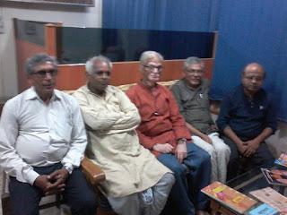 डाॅ. अणिमा सिंहक प्रति श्रद्धा जनओलनि लेखकगण