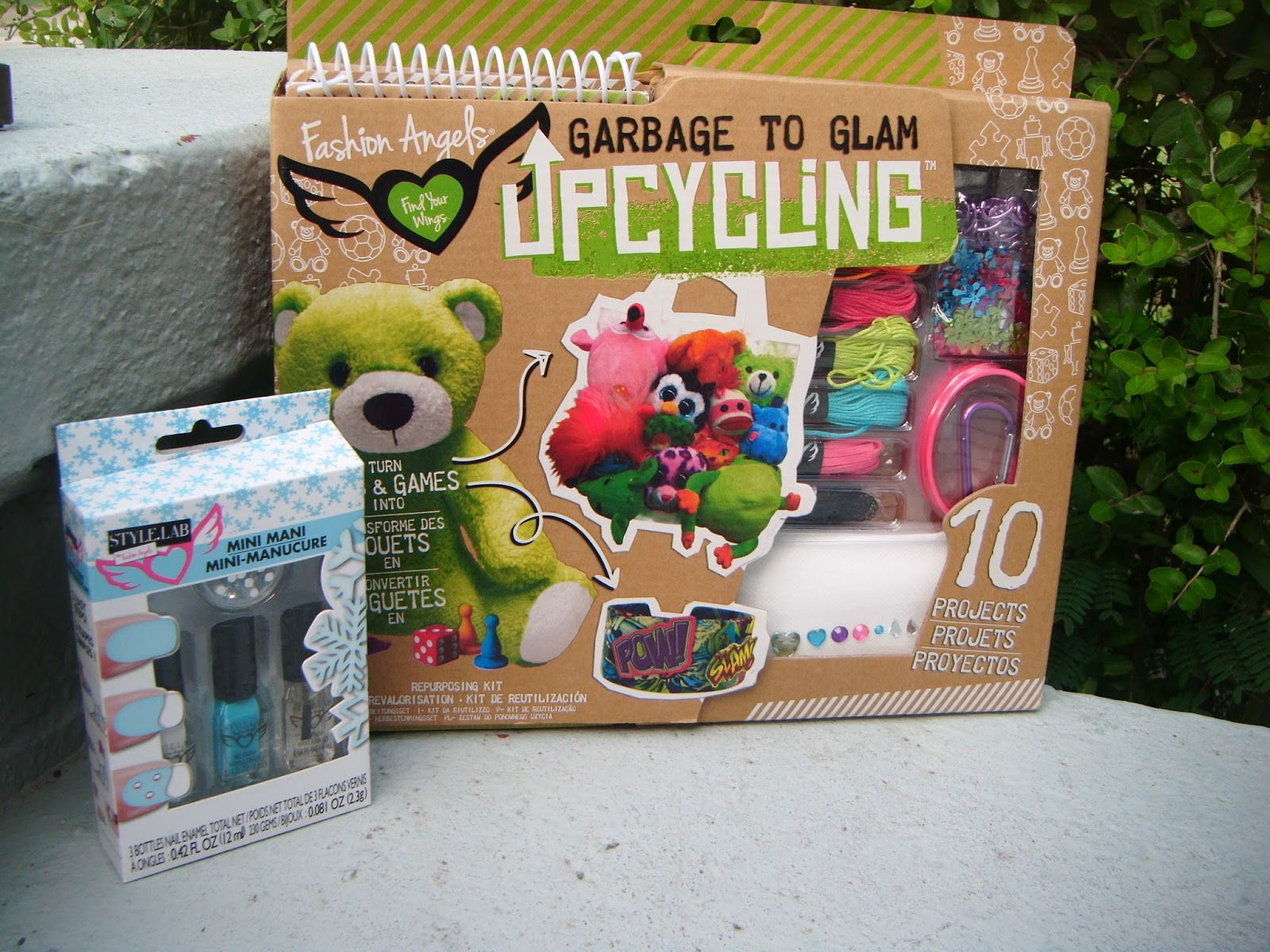The Abcd Diaries Holiday Gift Idea Diy Upcycling Kits For Tweens