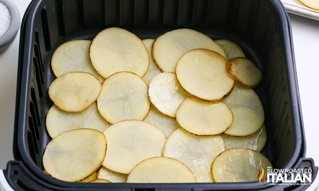air fryer potato chips in air fryer