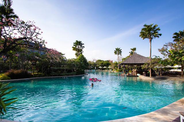 Mövenpick resort & SPA Jimbaran a Bali-Piscine