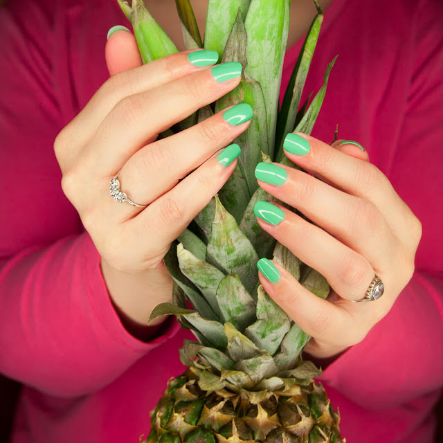 trend it up - tropicalize Nail Polish