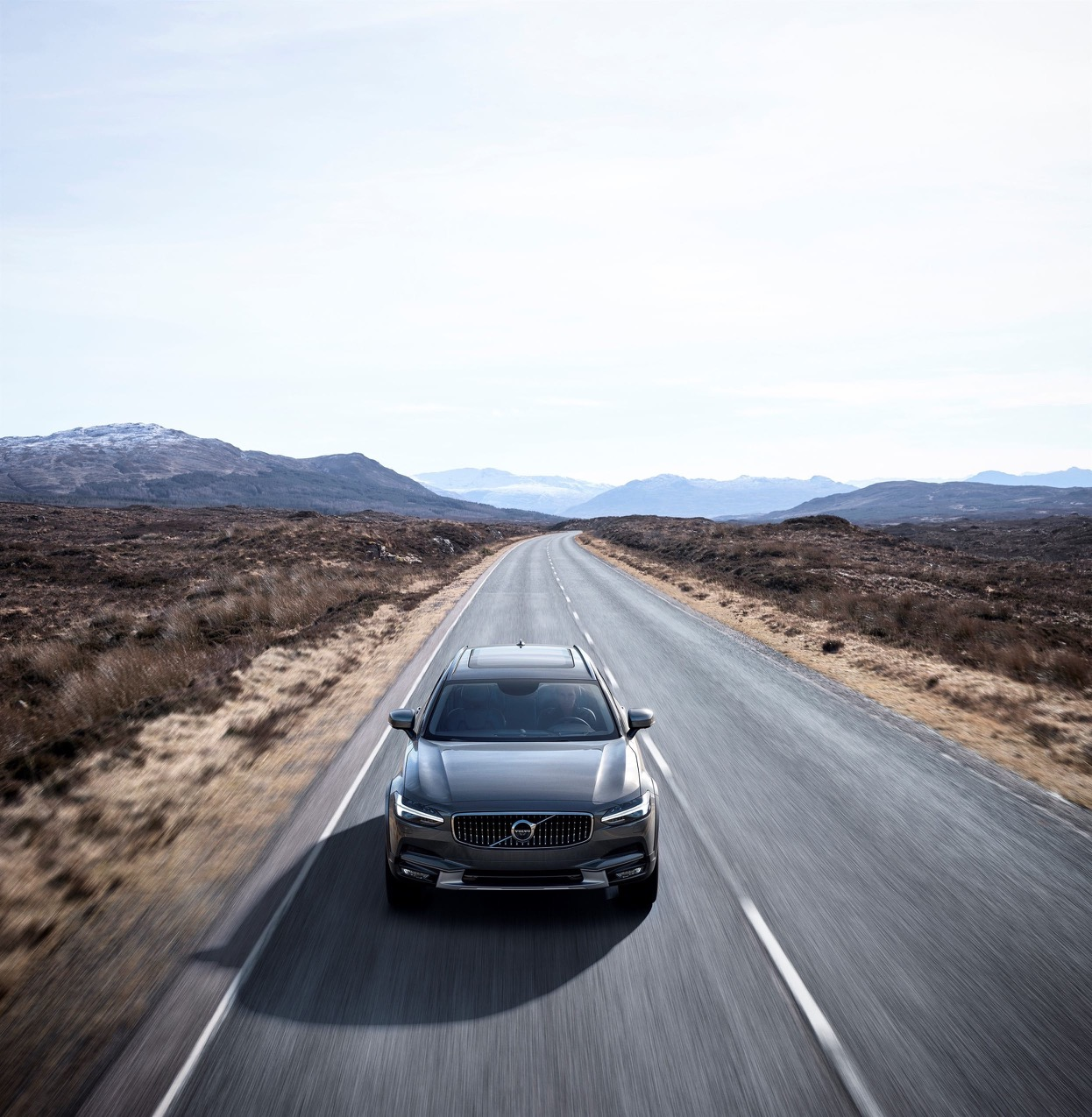 foto volvo v90 cross country immagini hd