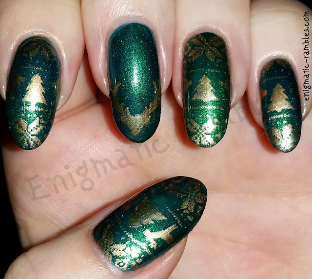 stag-sweater-jumper-christmas-nails-nail-art