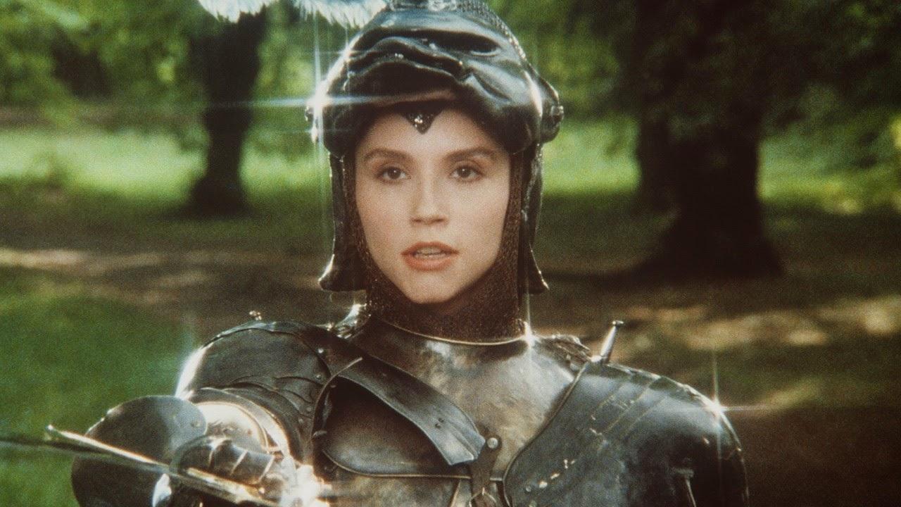 Alessandra Martines en Fantaghiro dans La Caverne de la rose d'or, de Lamberto Bava (1991)
