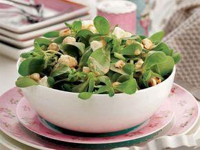 Semizotu salatası tarifi resimli - cevizli - fıstıklı. Semizotu salatası faydaları - kalori - sarımsaklı - sosu. Semizotu salatası besin değeri - çeşitleri - nasıl yapılır.