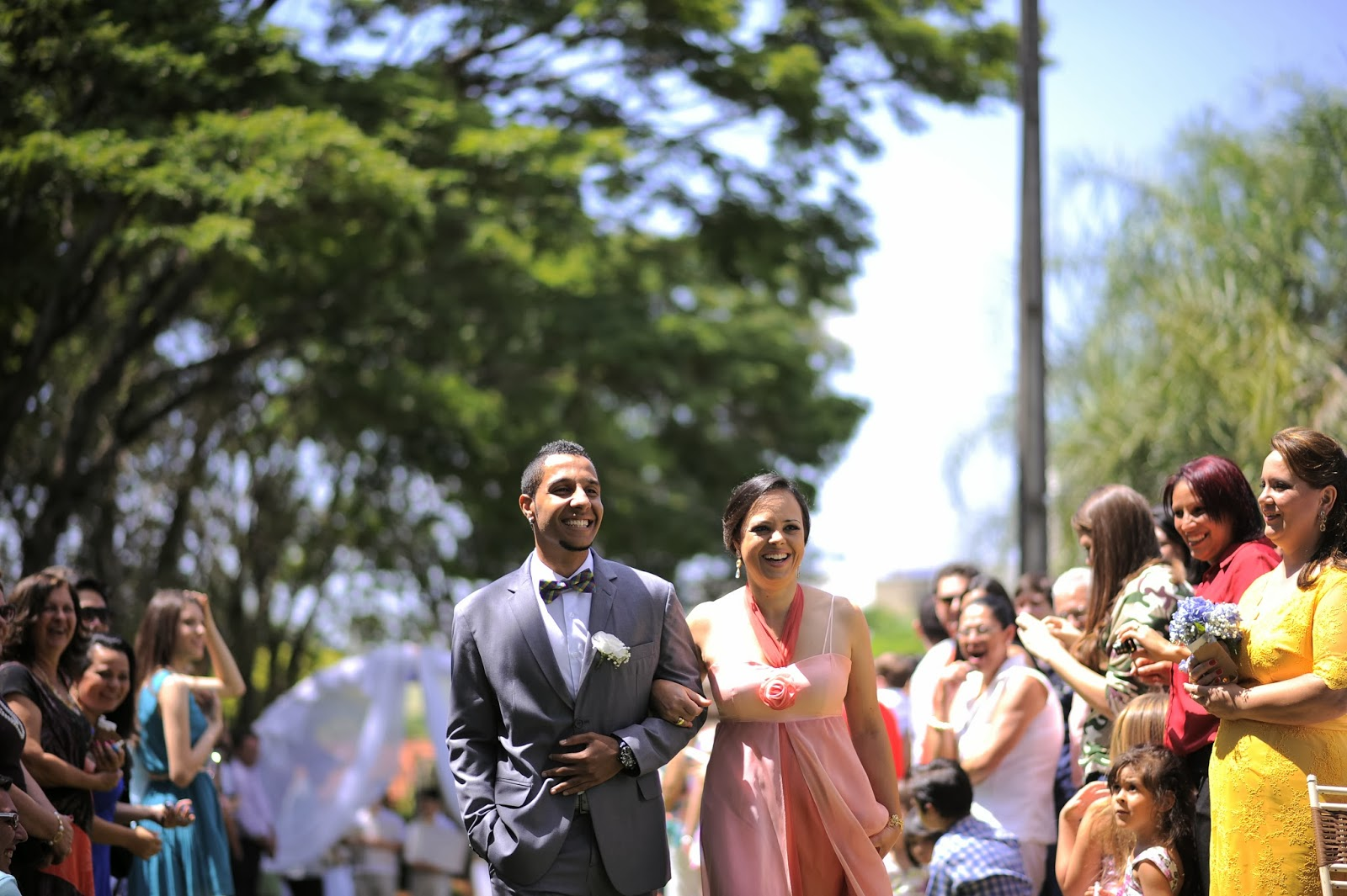 cerimonia-entrada-noivo-casamento-dia-azul-amarelo