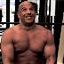 Vin Diesel presume de sus tatuajes 'Semidesnudo'