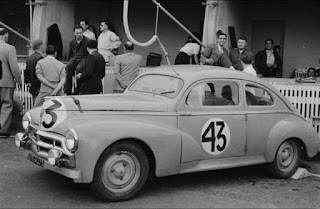 Peugeot 203 LM52 dans under construction 13521993_995607960551850_6739710034896291263_n