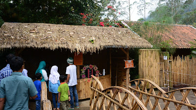 wisata bandung, wisata anak di bandung, farmhouse lembang, de ranch lembang, trans hotel, trans luxury hotel, hilton bandung, hotel hilton bandung, jalan-jalan ke bandung, bandung with kids, the lodge maribaya, tiket de ranch 2017, tiket farmhouse lembang, tiket the lodge maribaya