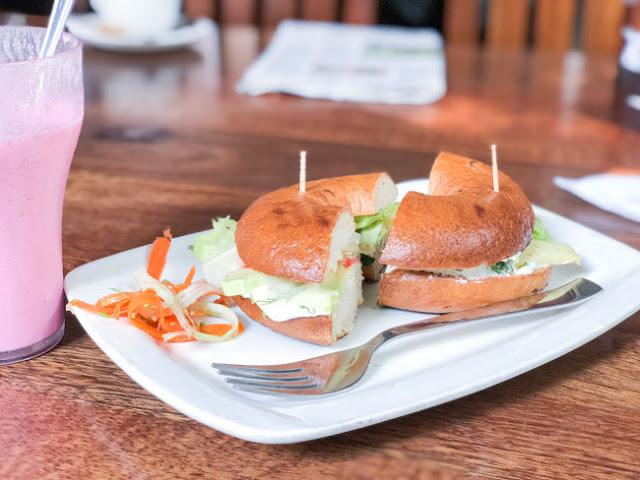 bagel shop bandra mumbai photo