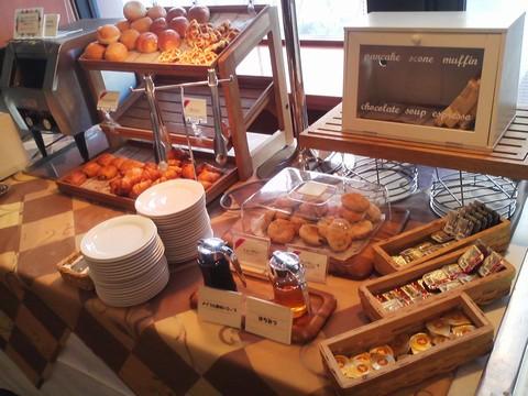 ビュッフェコーナー:パン2 札幌東急REIホテル サウスウエスト