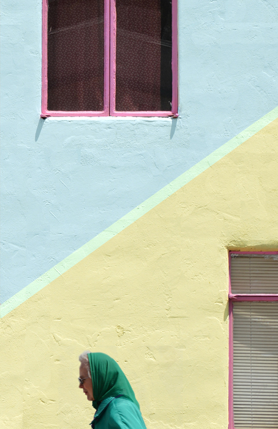 Palm Springs architecture, walls in pastel color