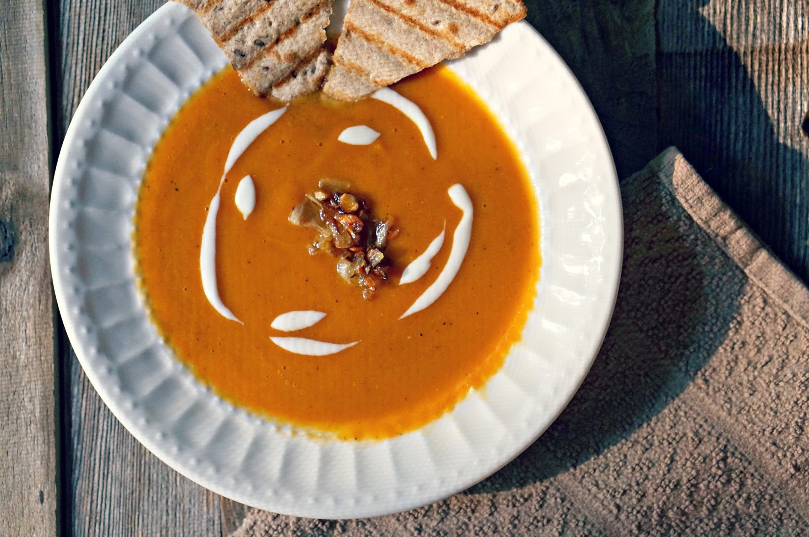 Creamy Spicy Carrot Soup