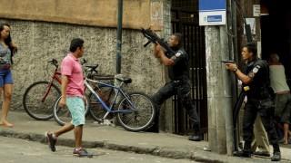Vídeo registra momento em que homem é baleado em troca de tiros no Pavão-Pavãozinho