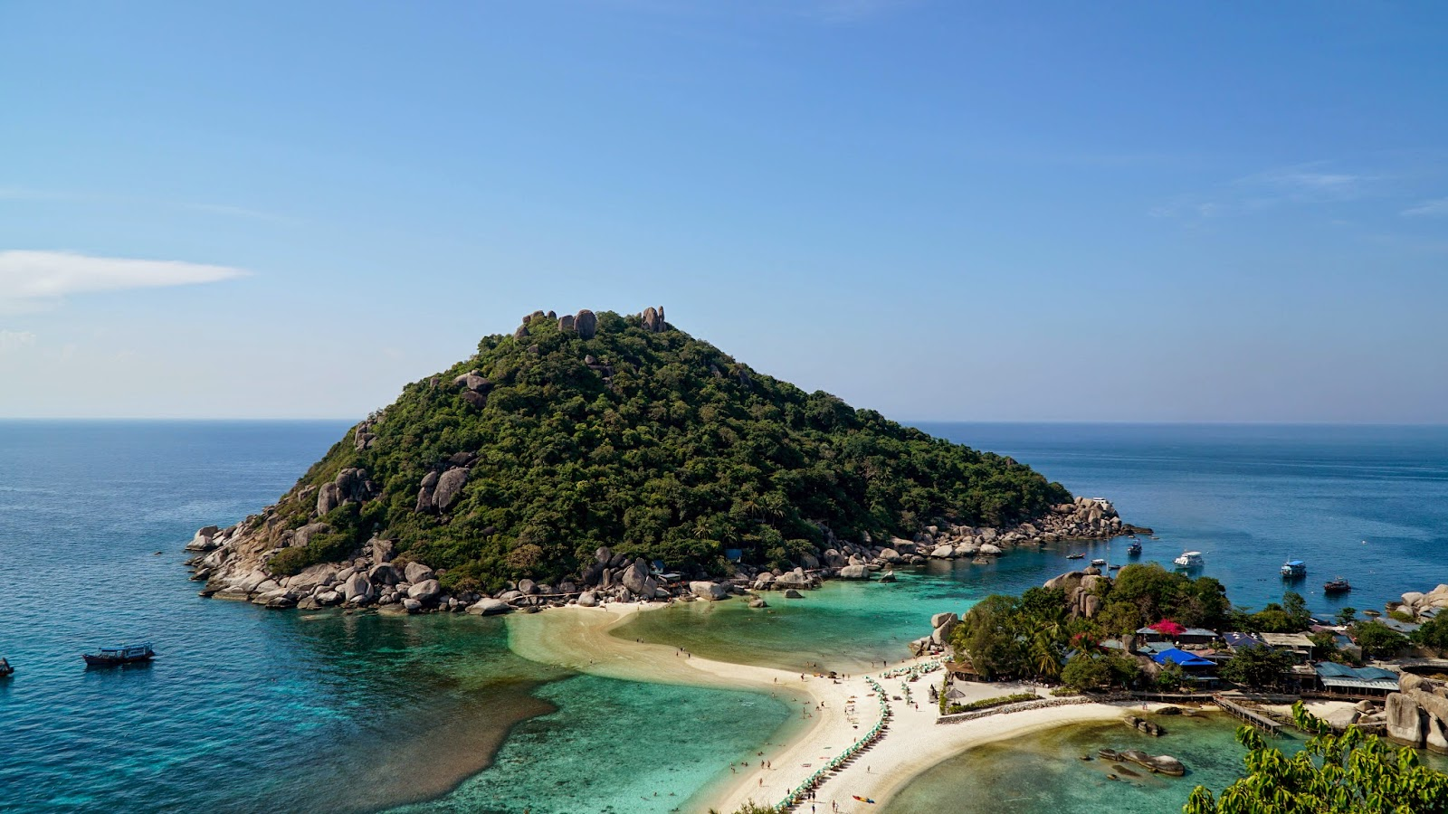 The world famous view from Koh Nang Yuan viewpoint