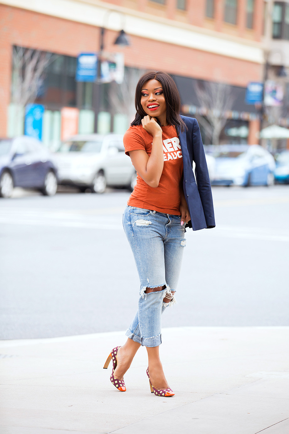 graphic tee and boyfriend jeans, www.jadore-fashion.com