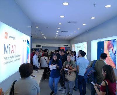Inside Xiaomi's First PH Store