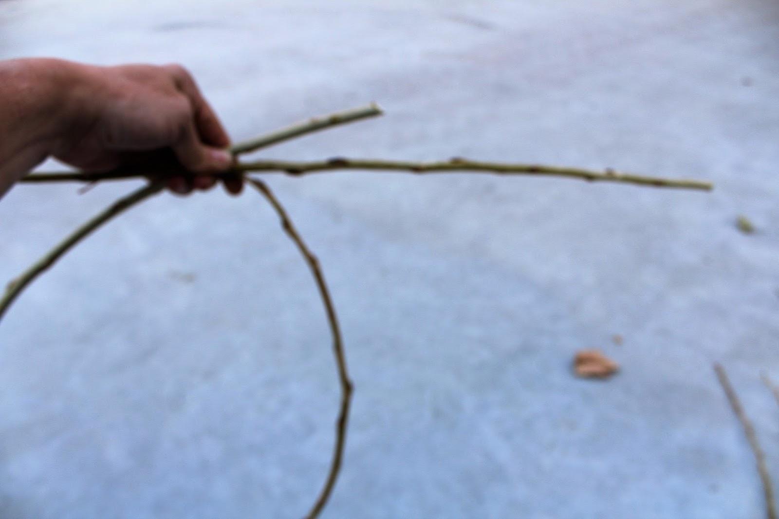 Shabbylinas Welt .....wie es mir gefällt: Kranz binden ohne Draht ...