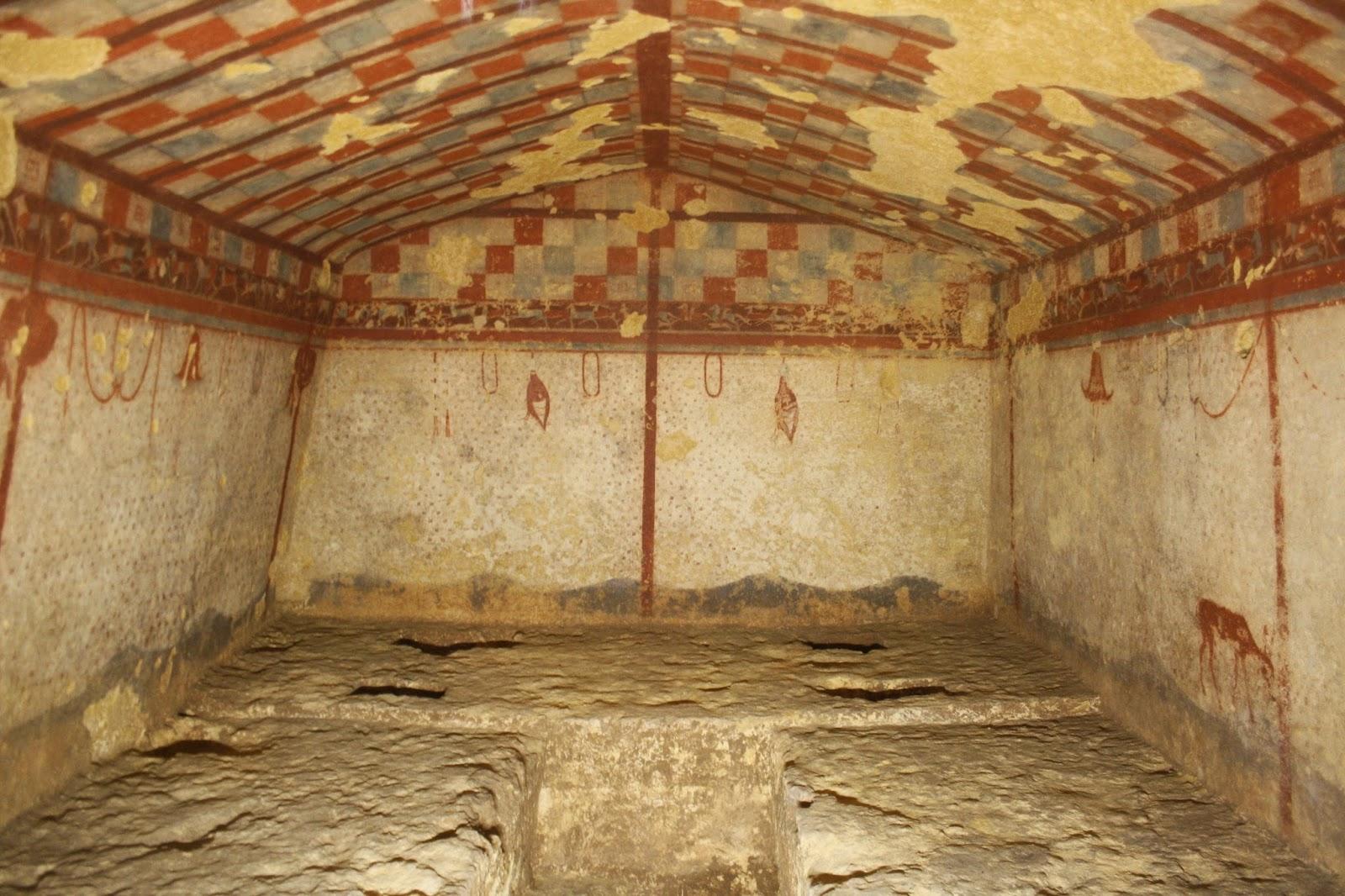Pinturas interiores tumba de la Necrópolis etrusca de Tarquinia
