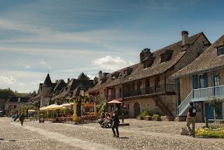 village pittoresque quais dordogne gabare correze