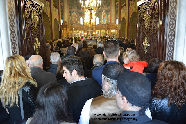 Όλη η πόλη στον Ι.Κ. Ναό της Θείας Ανάληψης για την Αγία Αικατερίνη. (ΦΩΤΟ)