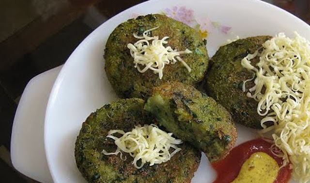 http://www.indianlazizkhana.com/2016/06/yummiee-pudine-ke-gatte-recipes-in-hindi.html