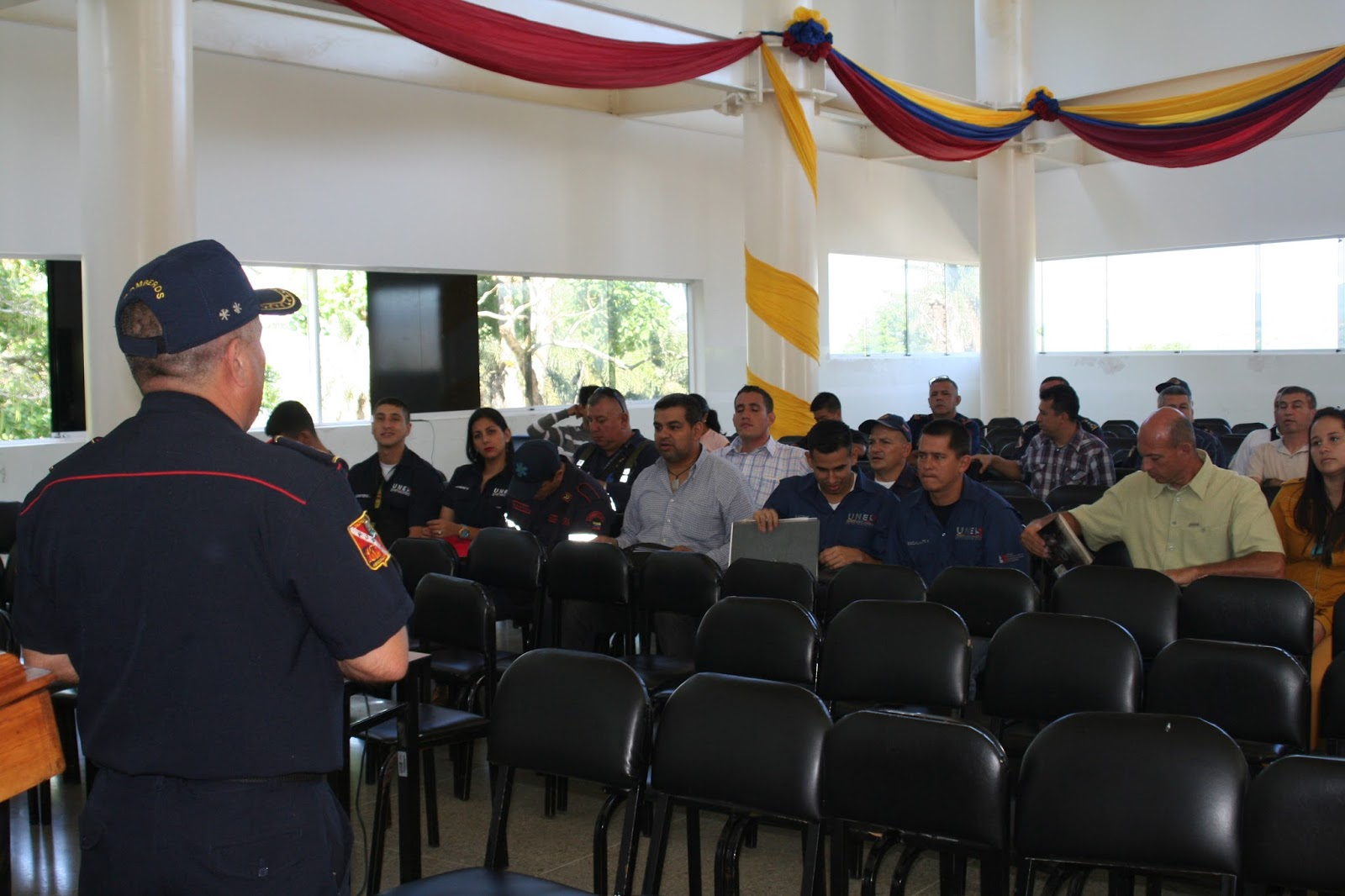 Noticias de bomberos dictado taller en la unes t chira for La pagina del ministerio