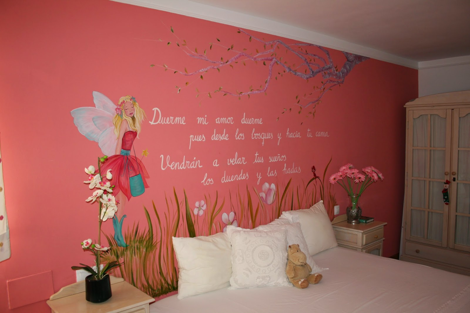 mural de hadas y duendes para decorar habitacin infantil