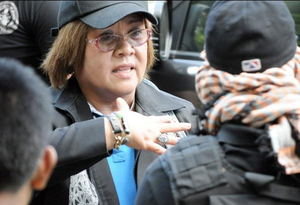 De Lima denies foursome with ex-aides, alias Makoy