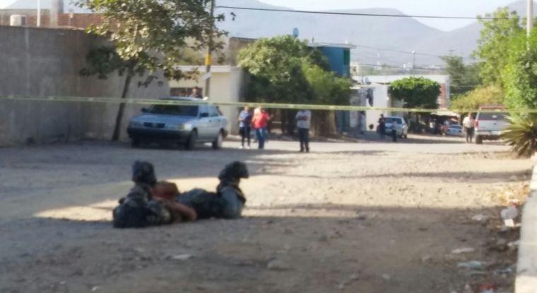 Tiran dos cuerpos embolsados en la colonia Lázaro Cárdenas