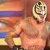 Rey Mysterio assina seu contrato com a WWE e pode retornar a qualquer momento