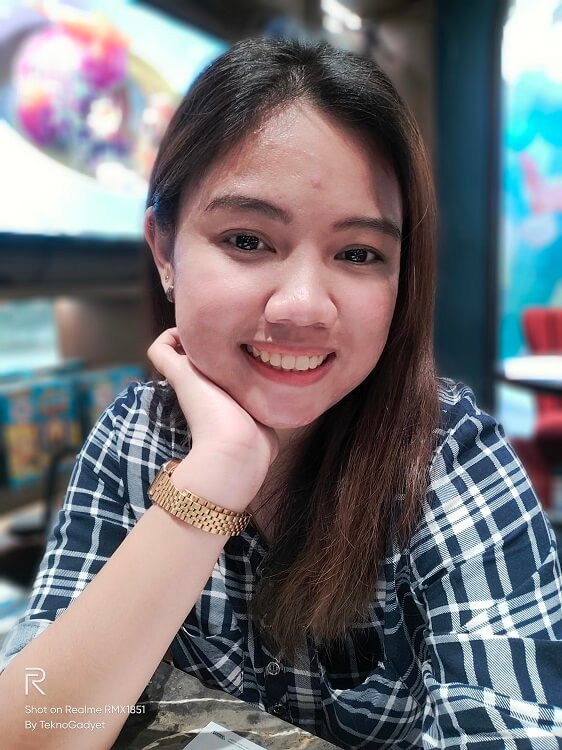 Realme 3 Pro Sample Photo - Selfie (Low-light)