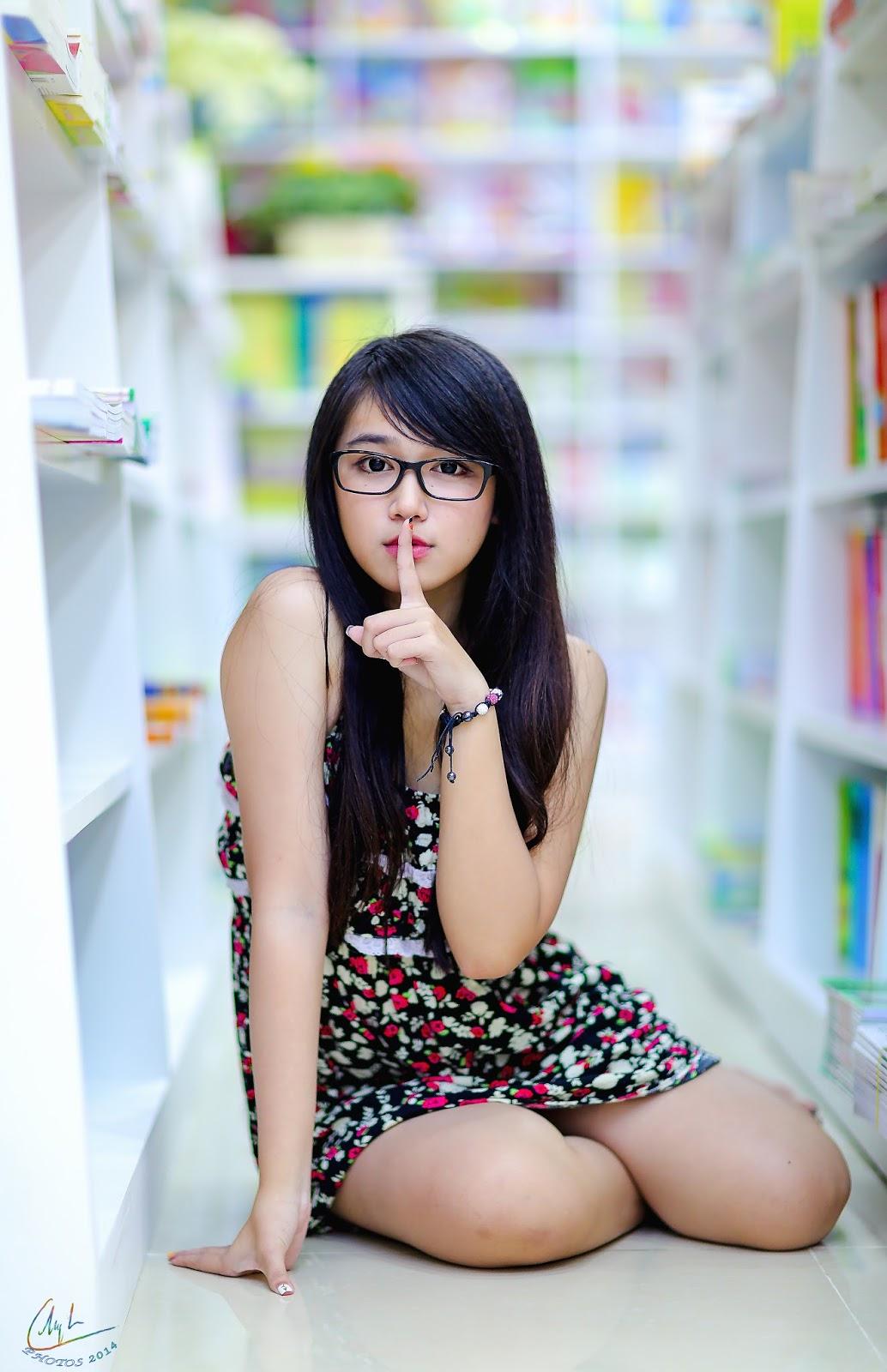 naked-vietnamese-girl-nerd-bbw-renee-ross