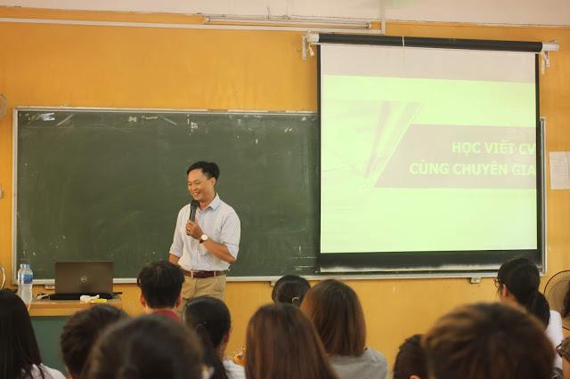 [NK] Diễn giả Nguyễn Quốc Chiến chia sẻ tại trường Đại học Thủ đô