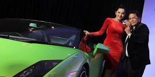 Mobil mewah Hotman Paris untuk putrinya yang berulang tahun