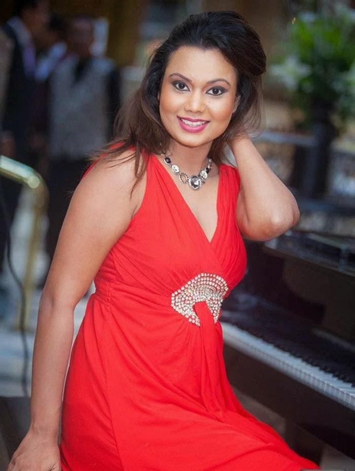 Gayesha Perera's Latest high Quality Photo Gallery