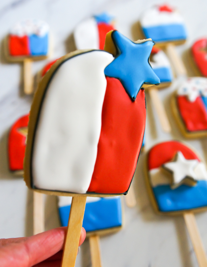 4th of July Bomb Pop Decorated Cookie ♥ bakeat350.net