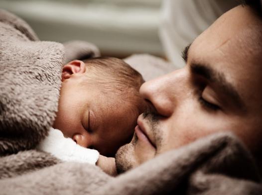 Gambar ayah dan bayi