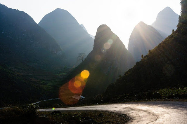 Discovering the majestic plateau with Ha Giang Tour 3