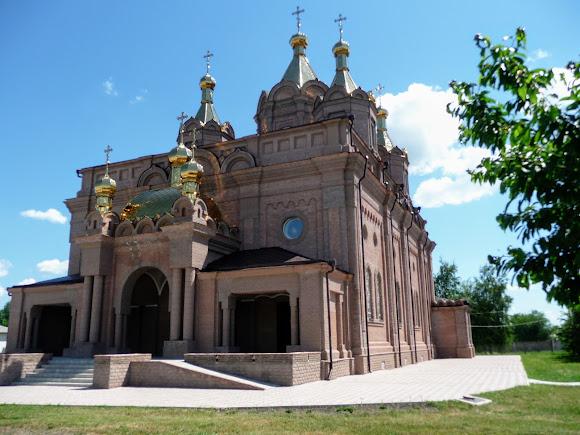 Старобільськ. Свято-Скорбященський жіночий монастир. Храм «Всіх скорботних радість»