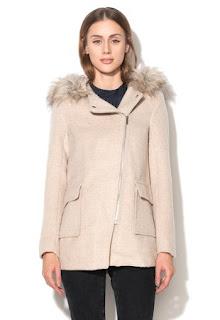 palton de iarna de femei cu gluga si blana